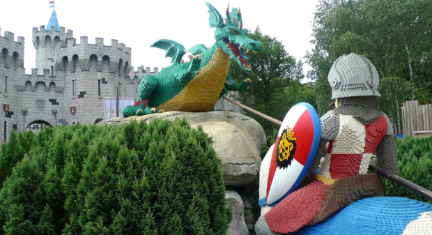 Image courtesy Henry Burrows   https://www.flickr.com/photos/foilman/14680469518/in/photolist-ongf8q-ChijLD-dY8CFi-5jwD9g-2jzvXW-bmzvVY-afLeQx-7N35MW-anzR5F-a8c4x1-bEqbXM-asCy6L-7tcofU-BR6tm4-rPZsi5-qo2h9M-8H3sob-kmsAUt-9SHEjW-pEbrMp-vv34bz-amHAih-b9EQJX-CubuFy-9U3KRH-8nSYXB-G9NaNk-ew58Ce-ppznSh-5yMPf6-7bZSVq-oxPGjU-5yS7Ud-fHjdNX-ew5fup-qEsPqp-dYcuHh-pNQJKZ-fH7QjF-pwpj8R-qnUK67-7StRQe-7DEQEf-hhZuDj-8RCQph-fNjTo1-fQb26w-dR3K18-93g2aZ-pyBau1