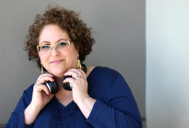 BlogHer '16 Speaker Q&A: Jessica Kupferman on Podcasting and Online Success thumbnail