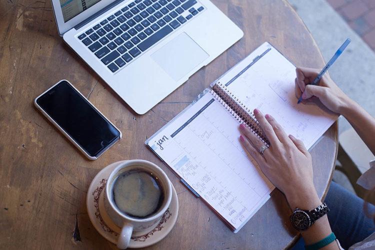 How to Schedule Posts in WordPress (3 Easy Methods) thumbnail